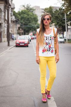OOTD: Sunny side up My Outfit, Sunnies, Capri Pants, Ootd, Outfits, Fashion, Moda, Capri Trousers, Suits