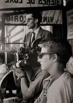 Data source: Old Movies in Pics @ocineclube    Jean-Luc Godard e Jean Seberg no set de Acossado (A bout de souffle, 1959).