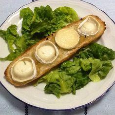 Panini con cebolla y queso de cabra. Ver receta: http://www.mis-recetas.org/recetas/show/39980-panini-con-cebolla-y-queso-de-cabra
