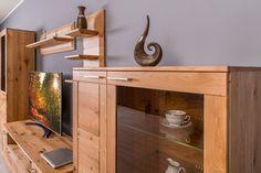 modern tömörfa altero bútorok Corner Desk, Entryway Tables, Budapest, Furniture, Home Decor, Corner Table, Decoration Home, Room Decor, Home Furnishings