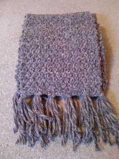 Woollen scarf (double moss stitch!)