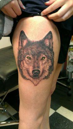 Tatouage loup  Découvrons ensemble une compilation et la signification des  plus beaux motifs et modèle de tattoos ayant pour thème le loup et du loup  garou