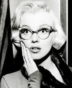 MM con gafas. Soberbia !