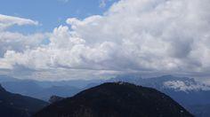 Peña Canciás (1928 metros), Castillo Mayor (2014 metros), los Sestrales y la Peña de Sin (1643 metros)