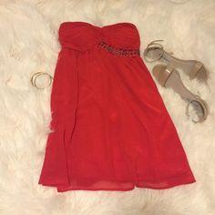 ❤️ Charlotte Russe Flowy Chiffon Dress Strapless chiffon dress. EUC Charlotte Russe Dresses Strapless