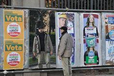 """Opere """"elettorali"""". L'artista bolognese Stefano Scheda, in questi ultimi, convulsi giorni di campagna elettorale, lancia una provocazione. In giro per Bologna sono comparsi dei tabelloni """"di specchio"""" accanto a quelli in lamiera già predisposti per la pubblicità elettorale in diversi luoghi del paesaggio urbano. Ecco il video che testimonia l'azione...    http://vimeo.com/60158290"""