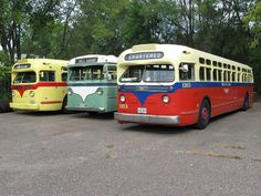 Classic vintage bus for day-of transportation.