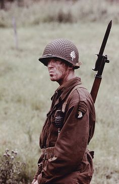 Band of Brothers Damian Lewis as Dick Winters Band Of Brothers, Damian Lewis, War Film, Film Serie, The Villain, Film Stills, Military History, World War Two, Wwii