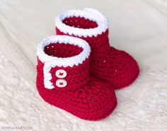 CROCHET PATTERN Santa Claus Baby Booties by HopefulHoneyDesigns