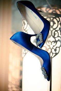 Fabelhafte Hochzeitsschuhe in Blau! Manolo Blahniks Brautschuhe von Carrie Bradshaw. // Fabulous wedding shoes in blue! Carrie Bradshaw´s wedding shoes by Manolo Blahnik. #manoloblahnikcarrie #manoloblahnikwedding