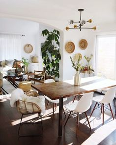 Get inspired by Modern Dining Room Design photo by UnEditors. AllModern lets you find the designer products in the photo and get ideas from thousands of other Modern Dining Room Design photos. Chandelier In Living Room, Boho Living Room, Sputnik Chandelier, Cozy Living, Living Room And Dining Room Together, Dining Living Room Combo, Cream Living Room Decor, Danish Living Room, Living Room Setup
