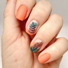 Leaves in nails, What Bout these colors orange and green ?🧡💚 Tropical Collection 36 Many women prefer … Tropical Nail Designs, Tropical Nail Art, Colorful Nail Designs, Nail Art Designs, Orange Nail Designs, Orange Nail Art, Orange Nails, Green Nails, Green Nail Art