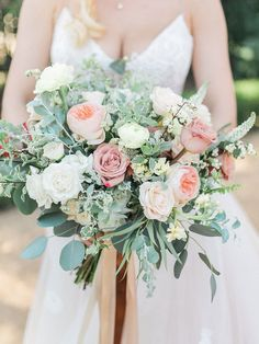 Your Bridal Bouquet, Based on Your Zodiac Sign–Libra