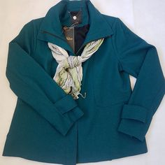 """4 curtidas, 1 comentários - Moda [re]vista brechó (@modarevistabrecho) no Instagram: """"Com esse frio, um casaco quentinho é tudo! E se for lindo, então? Casaco em lã Nutrisport, tam 42…"""""""