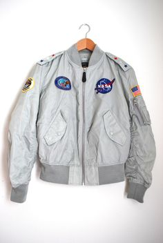 Light Grey/Dusty White Member's Only Jacket w/sewn on NASA patches (Look for this kind of jacket @ thrift store) Lego Space, Space Commander, Look Fashion, Fashion Outfits, Moda Emo, Facon, Looks Cool, Mode Style, Hoodies