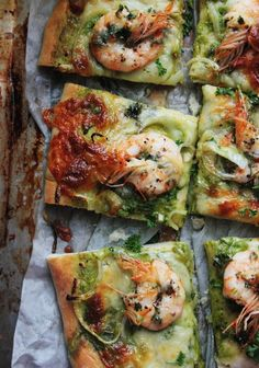 Notions & Notations of a Novice Cook - Making Shrimp Scampi Pizza: looks delicious with parsley pesto (Copelands Cheese Grits) Think Food, I Love Food, Good Food, Yummy Food, Seafood Dishes, Seafood Recipes, Cooking Recipes, Healthy Recipes, Pizza Recipes