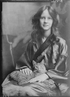 Jocelyn Stebbins & Buzzer the cat, photo by Arnold Genthe