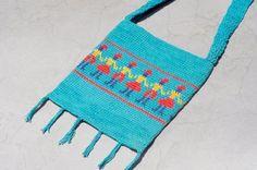 限量一件 天然純棉鉤織斜背包 / 背包 / 側背包 / 肩背包 / 旅行包 - 手牽手遊世界 ( 天藍色 )