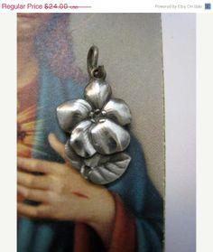 On Sale ENDS SOON Vintage Silver Art Deco Flower by Glamaroni, $21.60