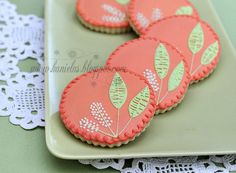 Sweet, chic, completely pretty flower decorated cookies. #spring #flowers #cookies #food #baking #decorated #dessert