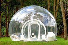 Wie kampeert wil van de omgeving genieten. Maar het tentzeil laat vaak alleen maar licht door. Je ziet weinig van de omgeving. Er is nu een oplossing: de Cristal Bubble. Een doorzichtige en opblaasbare tent met in het midden een heus bed.