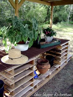 Pallet potting table and tray...'