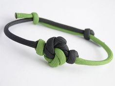 How to Make a Mandala Knot Paracord Sliding Knot Friendship Bracelet- - YouTube