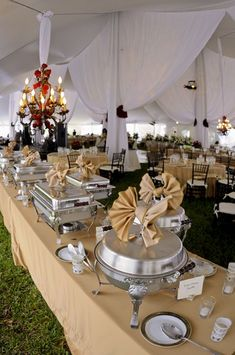#Delicious #Wedding #Buffet--I love the fanned napkins through the lids! Great idea!