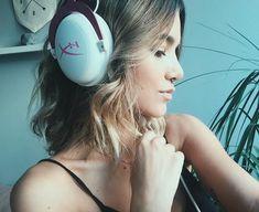 Promoção ! Quem me acompanha sabe que agora só uso esse headset da HyperX o dia todo pra ouvir música, então resolvi sortear um de presente pra vocês igualzinho o meu e igual o que eu usei no clipe de #Direção. Crie uma frase com a palavra #Direção (comente na foto) e a mais criativa vai levar nosso fone Pink  valendo ! #HyperXCloudII