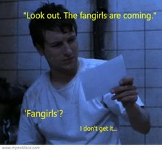 attack_of_the_fangirls_by_pyromaniacinsomniac.jpg (376×350)