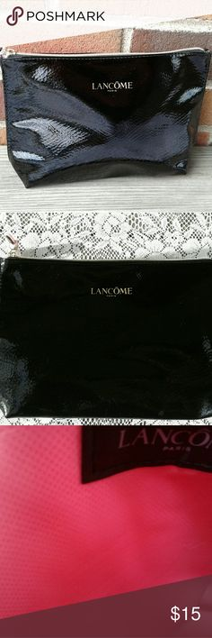 Lancome cosmetic bag Cute reposhed nwot bag like new in excellent condition.  Great bag for traveling. Lancome Bags Cosmetic Bags & Cases