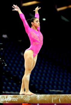 Aly Raisman! love the pink:)