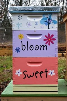 painted bee hive- I'm so doing this!