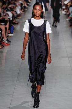 Sfilata DKNY New York - Collezioni Primavera Estate 2016 - Vogue Fashion Runway Show, Ny Fashion Week, Spring Fashion Trends, Trendy Fashion, Fashion Outfits, Spring Trends, Runway Models, Moda Do Momento, Fashion Photography Inspiration