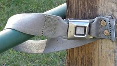 Clever gate latch using a seat belt. Won't freeze, open with one hand. Dream Stables, Dream Barn, Paddock Trail, Horse Barns, Horses, Farm Hacks, Gate Latch, Future Farms, Horse Tips