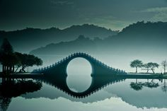 Breathtaking Photos Of The Moon Bridge In Taipei, Taiwan Moon Bridge Taiwan Kunming, The Places Youll Go, Places To See, Beautiful World, Beautiful Places, Summer Palace, Taipei Taiwan, Hangzhou, Monuments