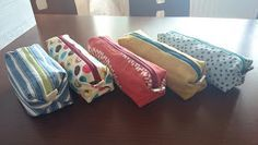 Tutorial in Finnish, quick to make Diy Bags Purses, Diy Purse, Diy Pouch No Zipper, Sewing Sleeves, Pencil Bags, Fabric Bags, Quilted Bag, Diy Dress, Handicraft