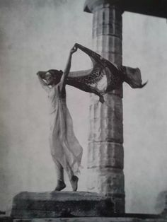 Elli Sougiultzoglou Seraïdari (aka Nelly's / Νελλυς) :: Dancer in the Acropolis, [probably Hungarian dancer Lila Nicolska (Yelizaveta Nikolska)] more [+] by this photographer aka Nickolska Isadora Duncan, Greek Gods And Goddesses, Greek Culture, Sugar Skull Art, Vintage Witch, Greek Art, Acropolis, Dark Photography, Ancient Artifacts