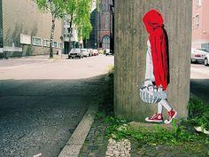 """Stencil """"Caputxeta vermella"""""""
