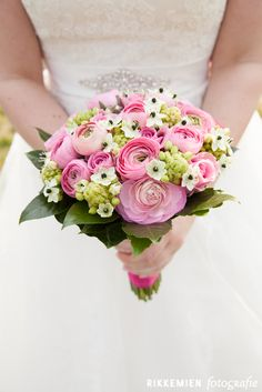 Bridal Bouquet Pink, Bride Bouquets, Bridal Flowers, Rose Bouquet, Pink Flowers, Romantic Roses, Flower Decorations, Floral Arrangements, Marie