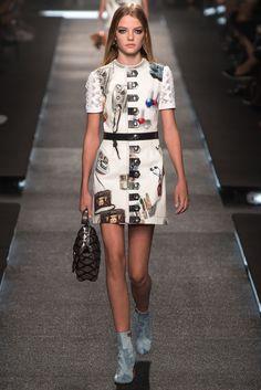 Louis Vuitton Spring 2015 Ready-to-Wear Collection Photos - Vogue