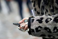 Paris Street Style: Turtlenecks and Chunky Knitwear Chunky Knitwear, Paris Fashion, Street Fashion, Her Style, Fashion Accessories, Menswear, Street Style, Style Inspiration, Jewels