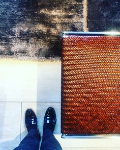 Rich mix of leather, chrome, stone and fluffy rug fabric make it look elegant and sophisticated. #mood #leather #stone #rug #texture #colours
