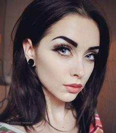 Eyebrow Makeup, Beauty Makeup, Hair Makeup, Makeup Eyebrows, Dark Beauty, Regrow Eyebrows, Eyebrow Growth Oil, Piercings, Natural Eyebrows