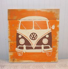VW van pallet art. This is awesome!!