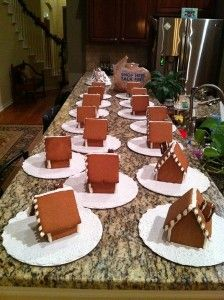 Mini gingerbread houses, perfect for the kiddos. Blog has template and recipe.