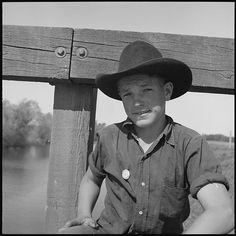 Photo by Dorthea Lange - 1940 San Joaquin Valley CA  16 yr old farm laborer