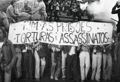 A SUPER convida você a voltar ao passado e traçar seu destino de acordo com os principais eventos da ditadura militar no Brasil. Responda às perguntas e descubra qual teria sido sua trajetória se você vivesse naquela época e veja uma linha do tempo com os principais acontecimentos do período.