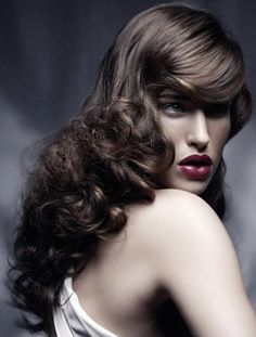 The Wow Factor! Long bridal hair style is so classic and elegant. StylishEve.com