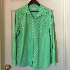 Merona Neon Green Lime Button Up Silky Flowy NEON green! Silky, flowy top. No buttons missing, no stains or holes. Excellent condition! Longer length. Super cute pop of color under a blazer, or keep it casual with leggings or skinny jeans. Fit is closer to XL so I've marked it as such. These shirts are amazing quality and last forever. Merona Tops Button Down Shirts